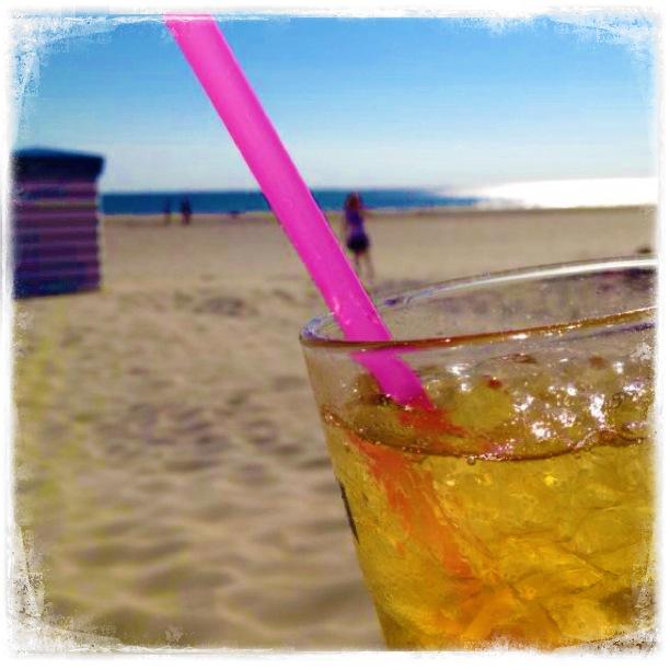 Borkum, Borkum - immer wieder Borkum. Cocktail am Strand