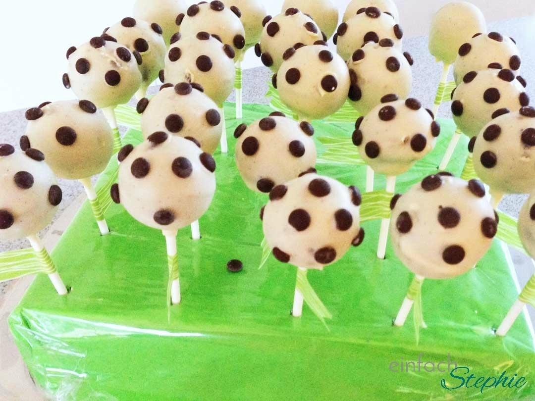Fußball Cakepops zur WM mit wenig Aufwand selbst backen