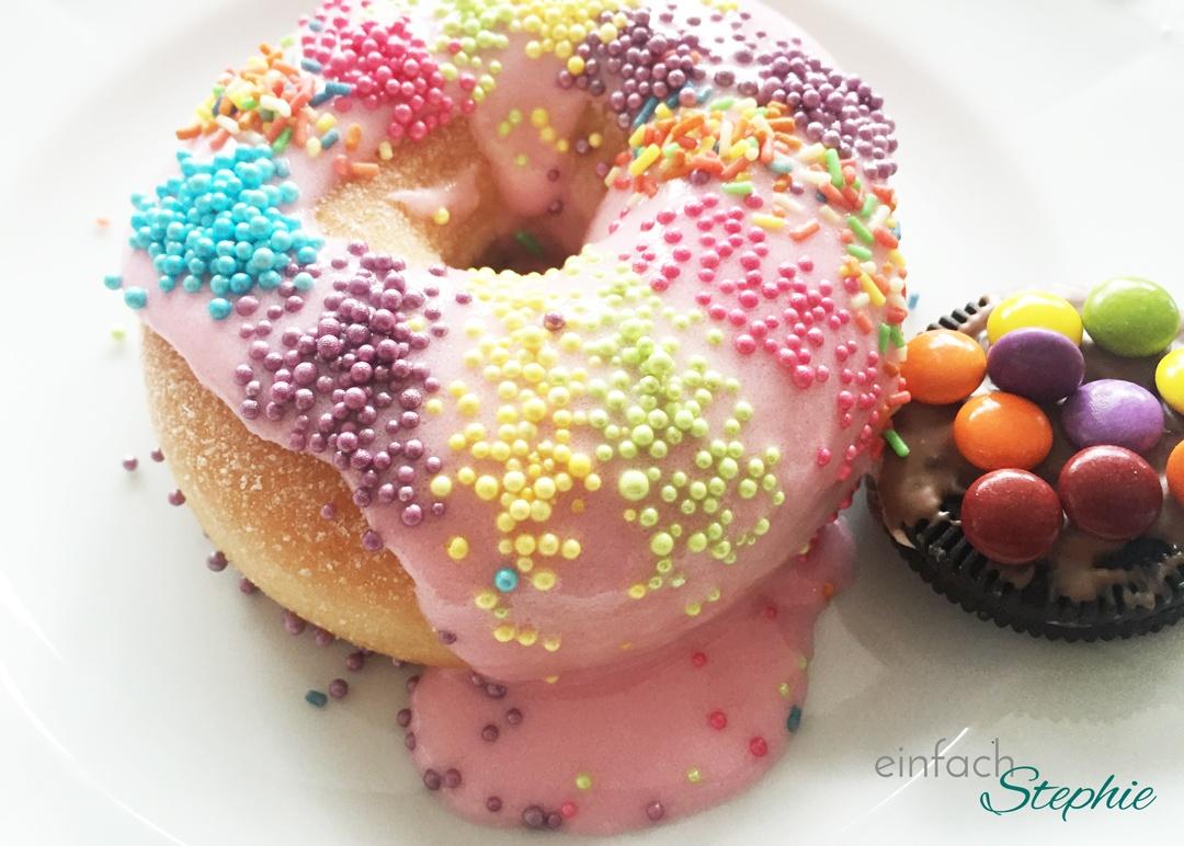 Geburtstagsparty für 12-jährige Mädchen: bunte Donuts