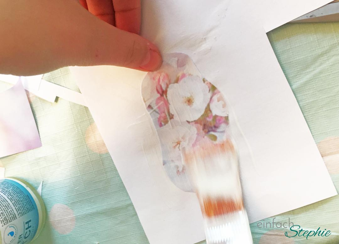 Geburtstagsparty für 12-jährige Mädchen: Foto Transfer auf Holz. Foto mit Kleber einstreichen