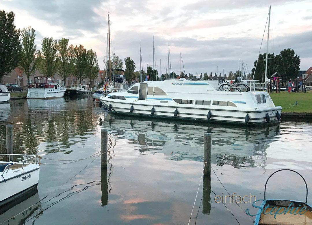 Per Hausboot durch Holland mit Großfamilie. Das Boot