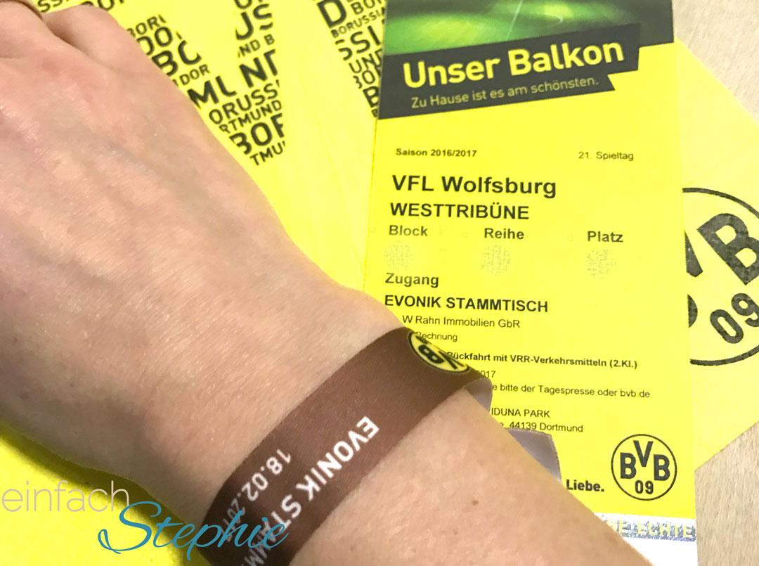 So war's beim BVB ohne Südtribüne. Stephie wird Fan
