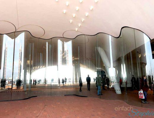 Elbphilharmonie Hamburg von der rundum geführten Terrasse aus