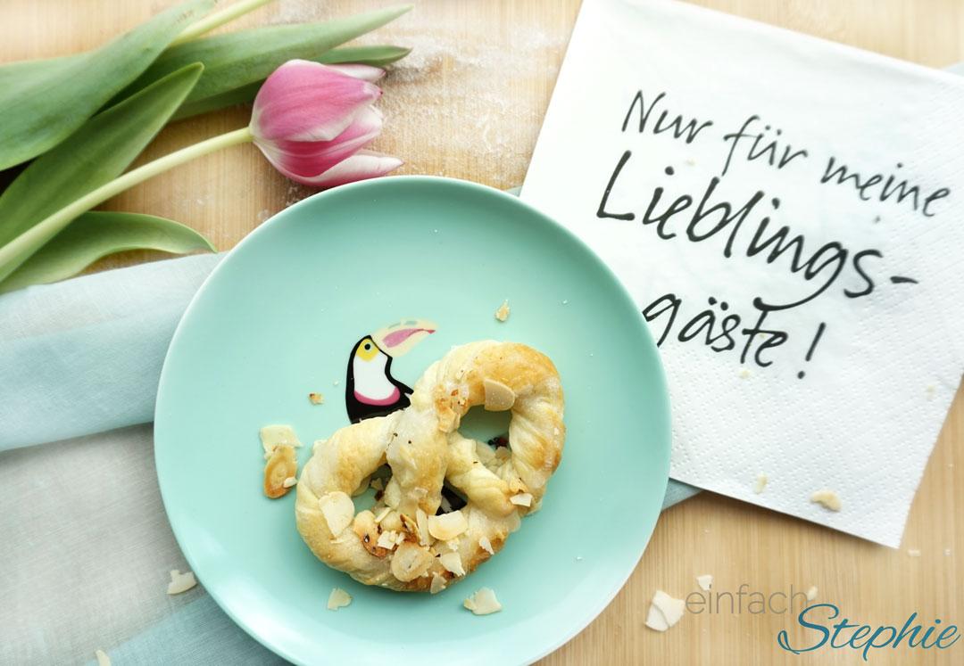 Olgabrezel zu Ostern. Süßes zum Osterbrunch