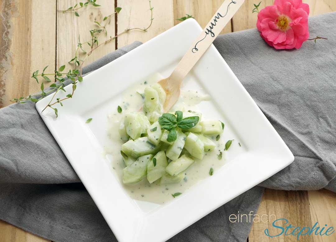 Wasabi-Gurkensalat zum vegetarisch Grillen & Picknick