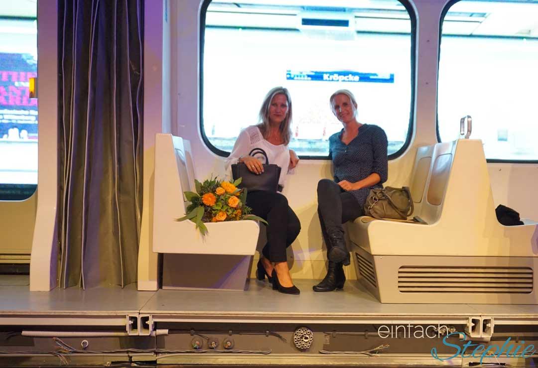 Hannover entdecken: GOP Theater. Stephie & Patricia nach der Show auf der Bühne