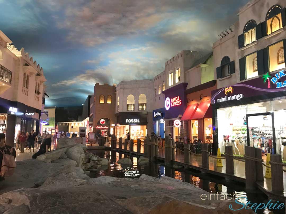 Las Vegas Shopping unter der Straße