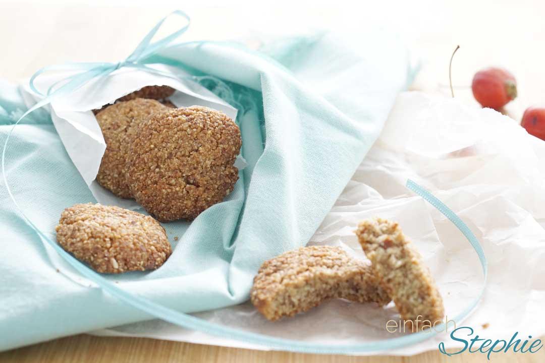 Low carb Mandelkekse, glutenfreie Weihnachtskekse ohne Mehl zum Verschenken