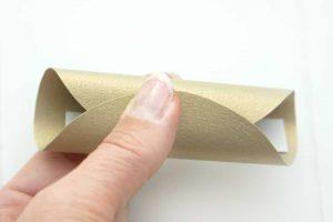 Glückskekse selber machen aus Papier. Anleitung Schritt 1