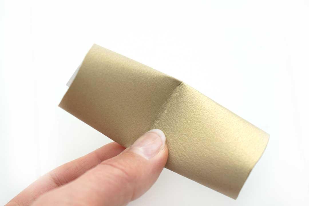 Glückskekse selber machen aus Papier. Anleitung Schritt 3