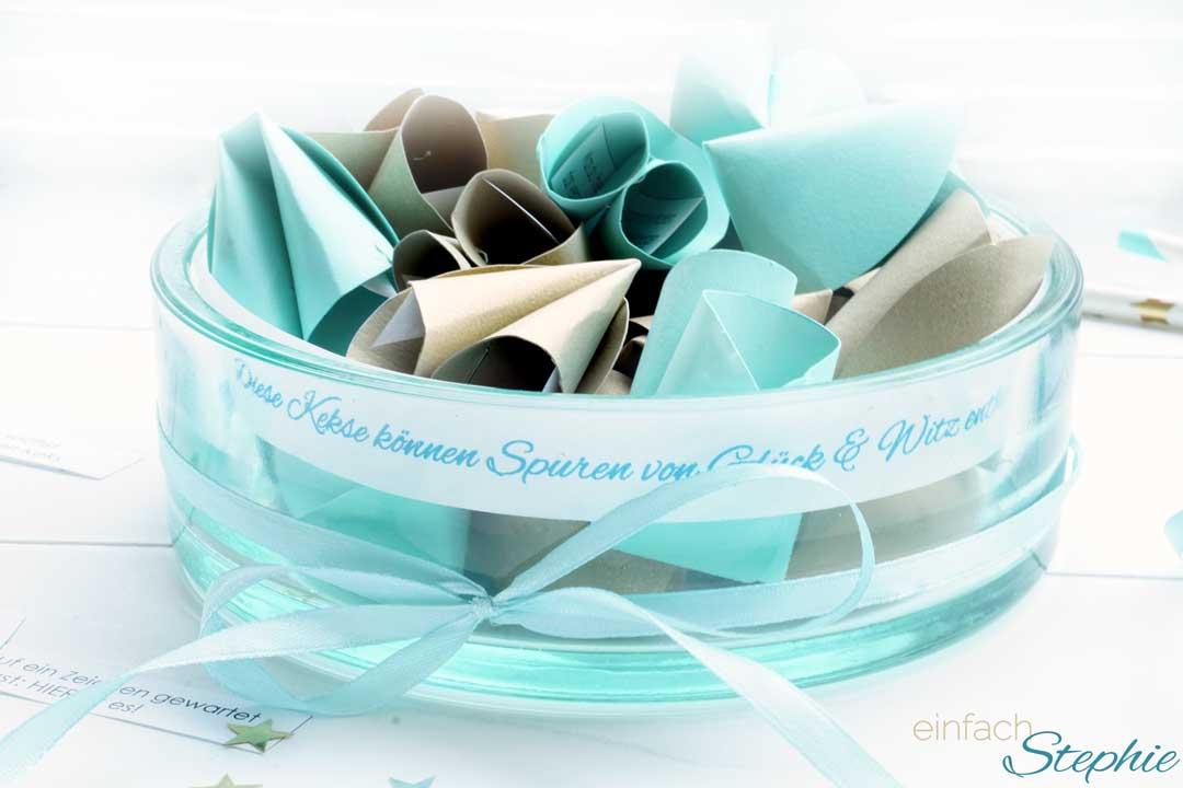 Glückskekse selber machen aus Papier. Vorlage zum kostenlosen Ausdruck