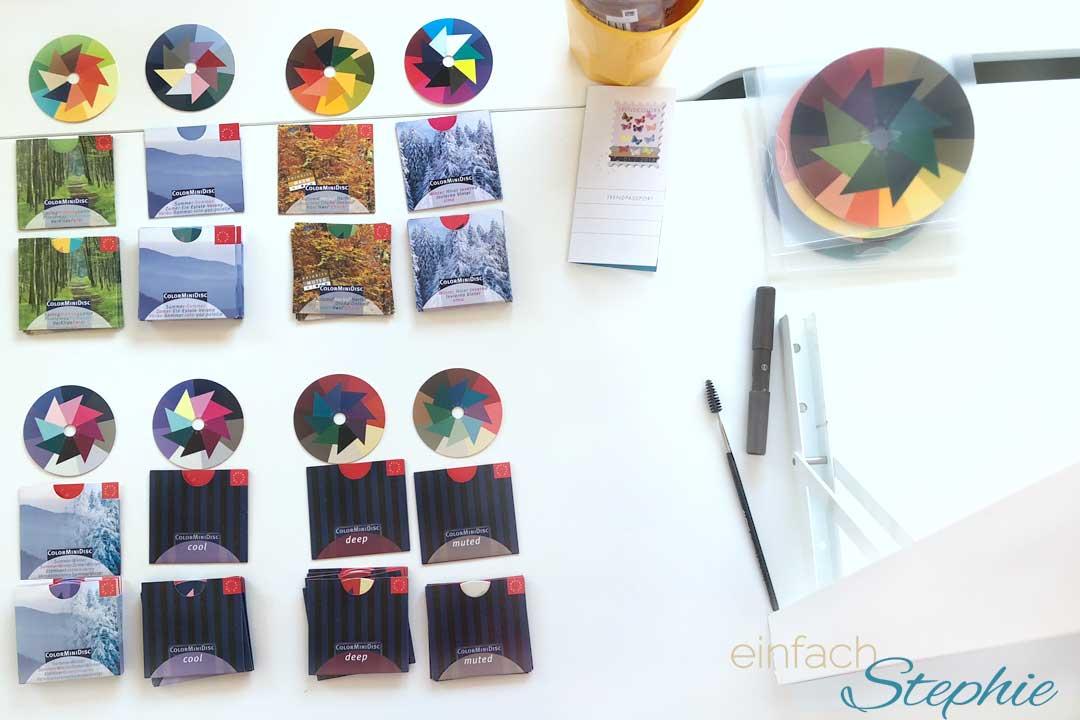 Farbberatung zur Stilberatung. Farbkarten zur Typbestimmung