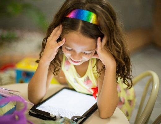 Umgang mit Tablet und Internet für Kinder (Foto: Unsplash)