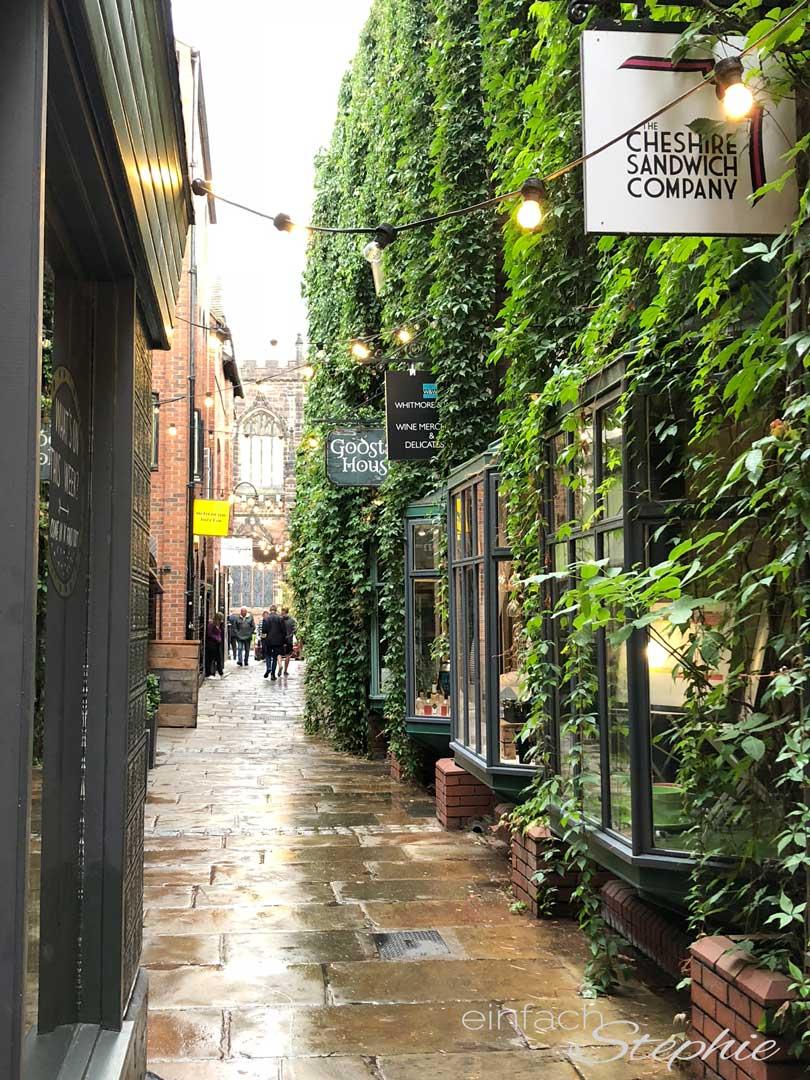 Wunderschöne Gassen in Chester, England. Eine Hochburg für Hochzeiten