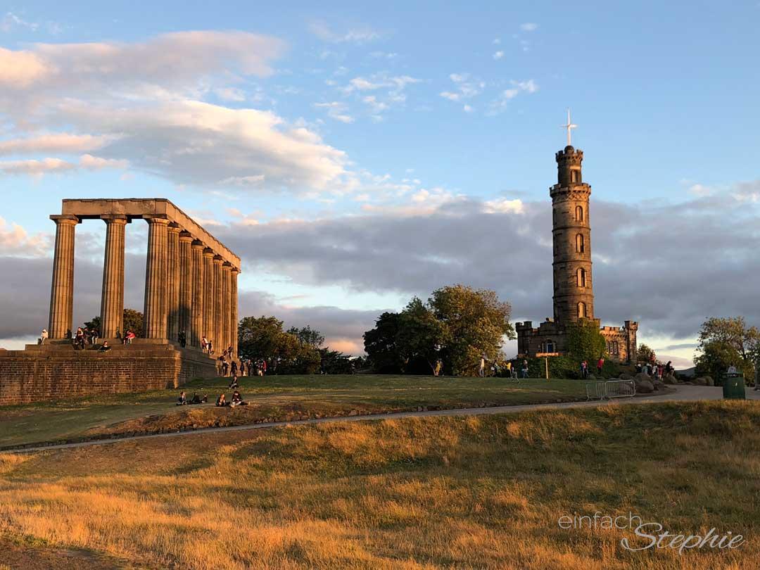 Calton Hill in Edinburgh bei Sonnenuntergang. Top Tipp