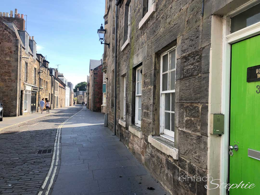 Roadtrip Schottland. Eine Straße in St. Andrews