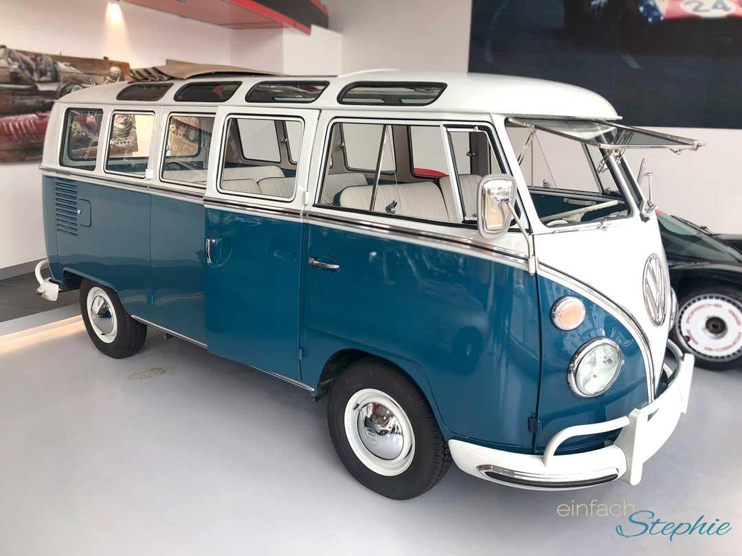 Rundreise England. Wimbledon. Oldtimer VW Bus Cabriolet