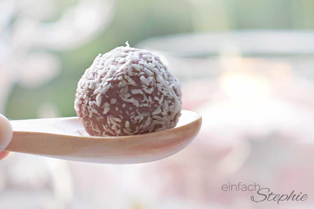 Kirschpralinen mit weisser Schokolade einfach und schnell selber machen
