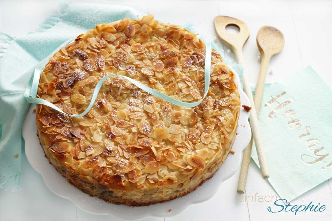 Der leckerste und schnellste Apfelkuchen mit Quark und Mandeln