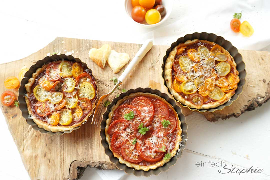 Tomaten Tarte Tatin bunt und knackig, einfach backen