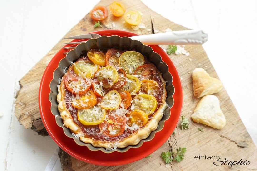 Tomaten Tarteletts mit Blätterteig ganz einfach