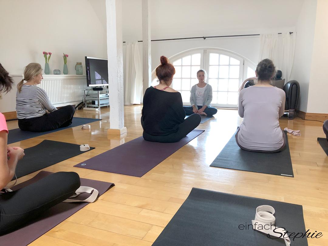 Yogastunden mit der wunderbaren Lisa vom Alten Konsumverein Sylt