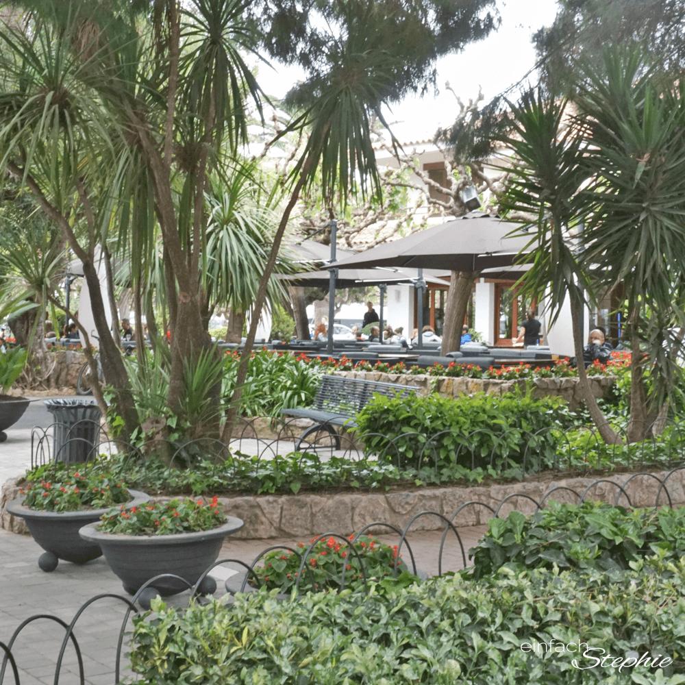 Restaurant im Playa Montroig Campingplatz. Glamping mit Eurocamp