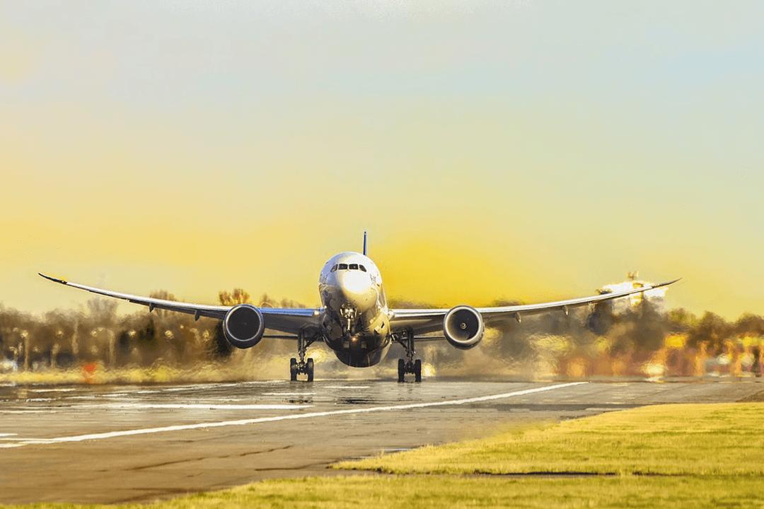Orientierung am Flughafen und Tipps für den ersten Flug. Zum ersten Mal fliegen, so einfach gehts