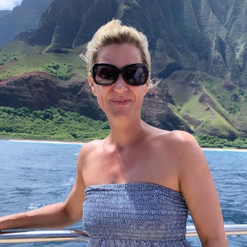 Vom Winde verweht: Stephie auf Katamaran zum Schnorcheln
