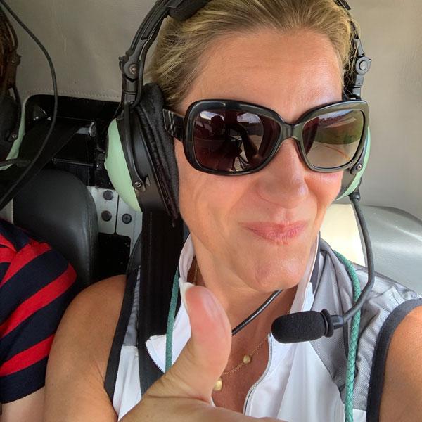 einfach Stephie im Helikopter über Kauai, Hawaii. Mir ist etwas mulmig, aber der Ausblick belohnt alles