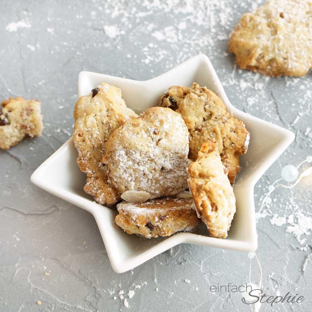 einfache Kekse mit Walnüssen und Rosinen. Stephies Lieblingskekse