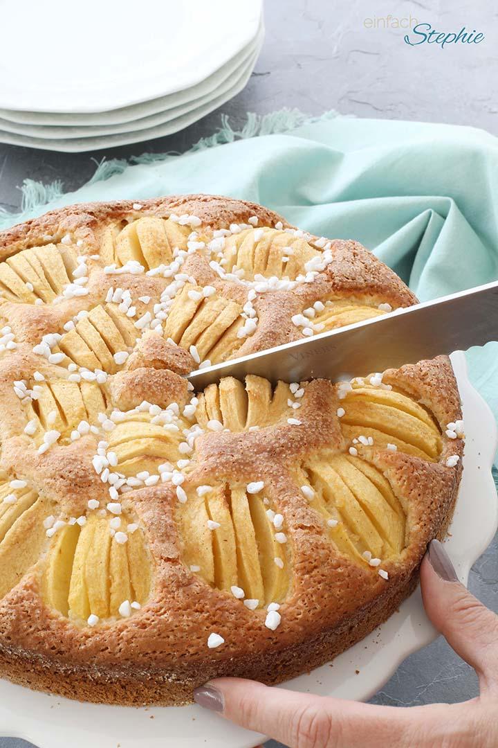 Joghurtkuchen mit Äpfeln einfach und schnell backen