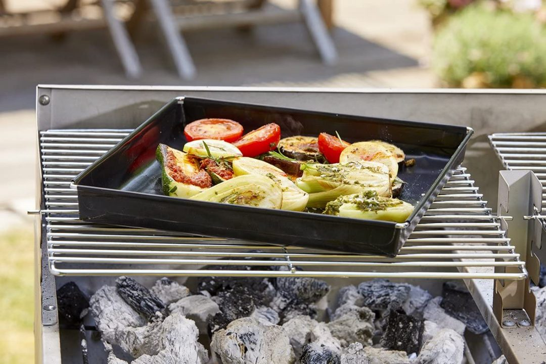 Grillschale zum vegetarischen Grillen. Gemüse grillen, nachhaltig