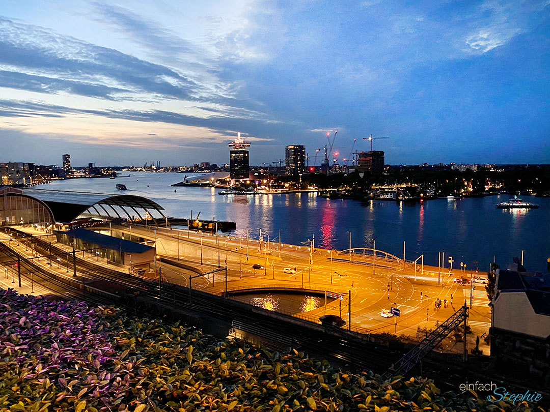 Corona Urlaub 2020 Amsterdam bei Nacht