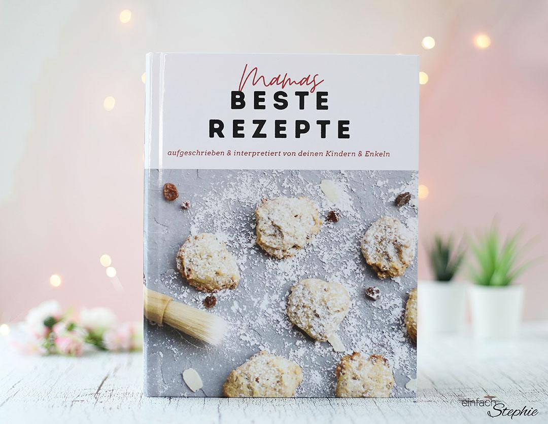 Titel. Besondere Geschenkidee für Mama zum runden Geburtstag. Persönliches Kochbuch drucken