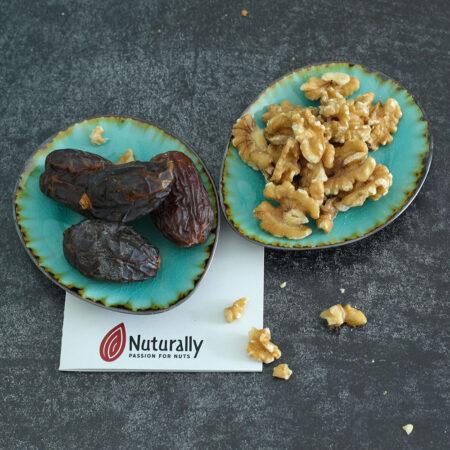 Datteln und Walnüsse von Nuturally für Früchtebrot